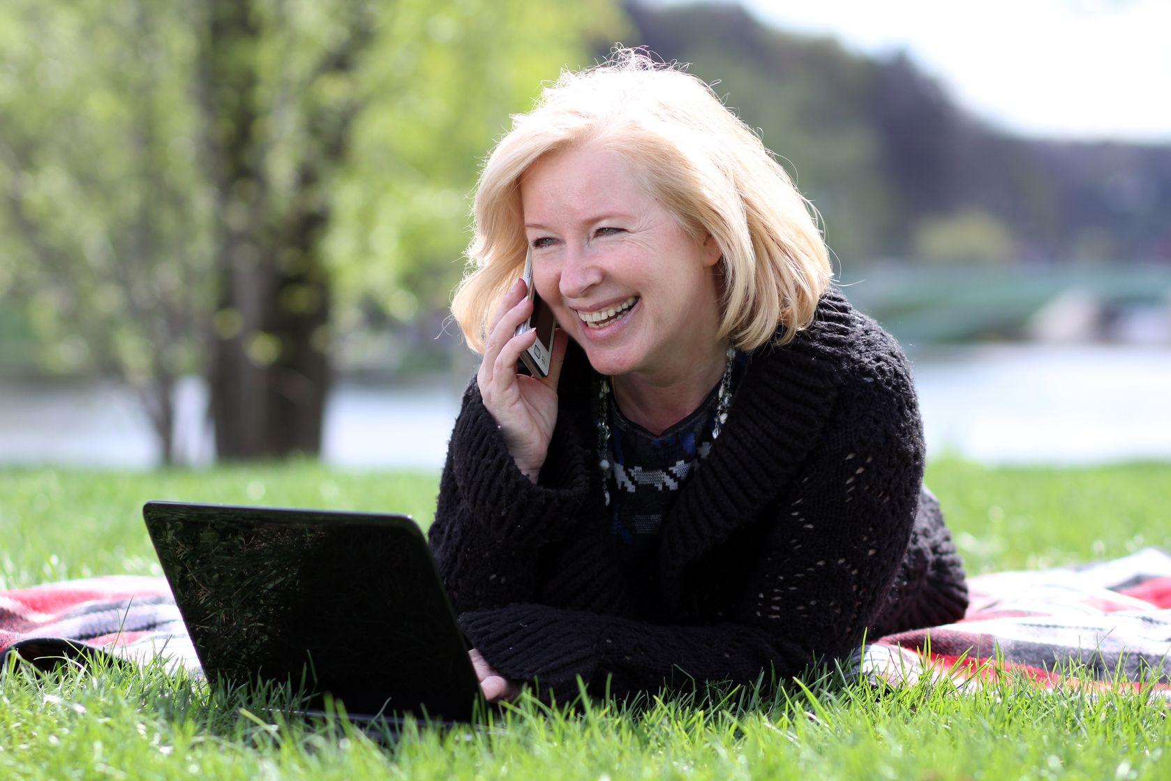 Госдума одобрила поправку о снижении возраста выхода на пенсию для женщин