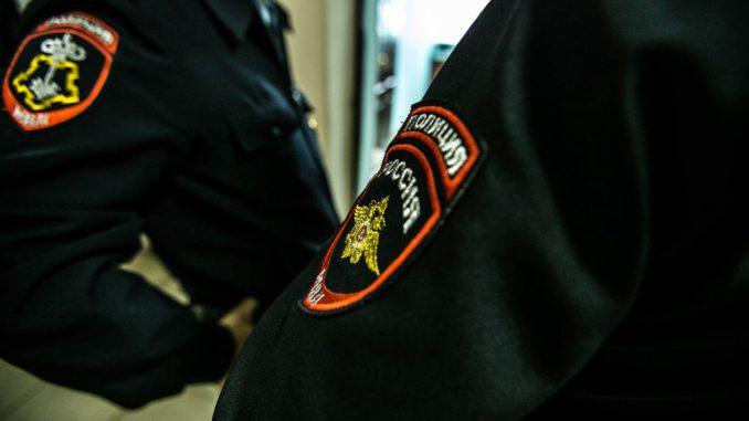 юноша, полиция