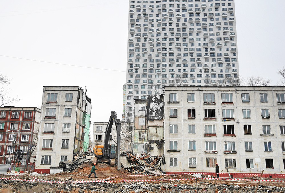 Принят закон для защиты прав жителей столицы при реновации