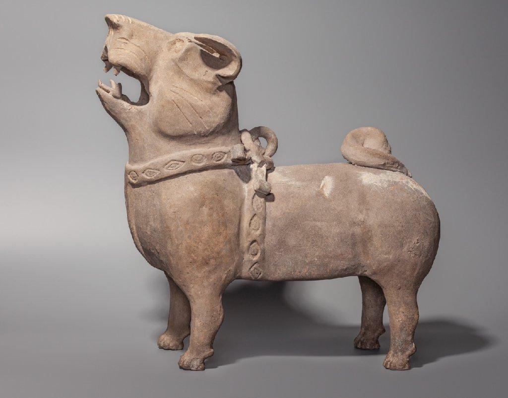 С керамической скульптурой