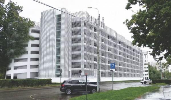 Два многоуровневых паркинга